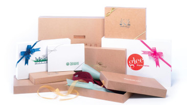 Pop-Up Apparel Boxes: White Gloss & Natural Kraft